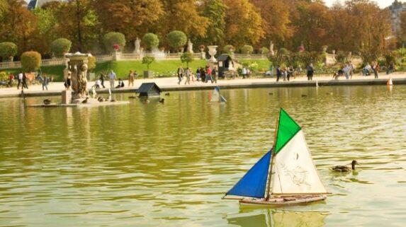 barquinhos no Jardin des Tuileries