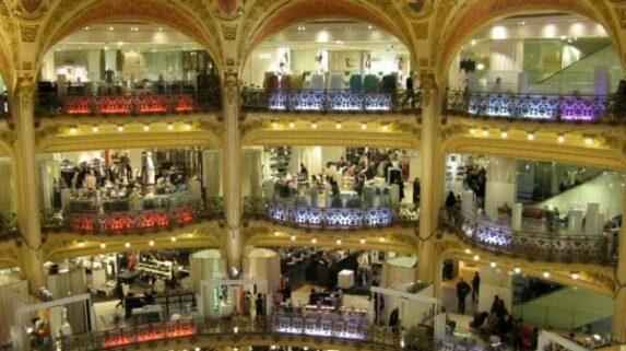 Moda e lojas em Paris