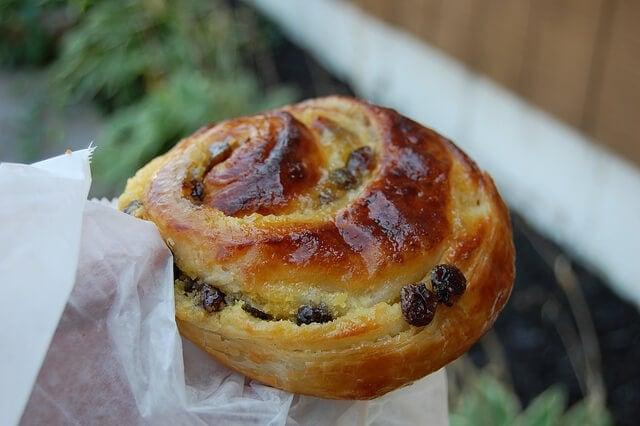 pain aux raisins boulangerie